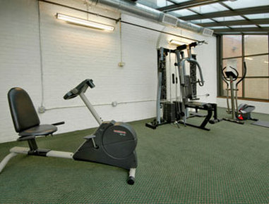 University Hotel and Suites - Recreational Facility