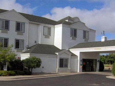 Find Hotels Near Weathervane Terrace Inn & Suites- Charlevoix, MI ...
