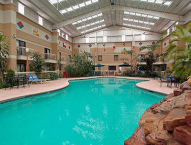 Knights Inn and Suites/Atrium West - Recreational Facility
