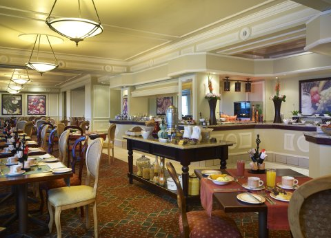 Southern Sun Elangeni & Maharani - Panini Restaurant
