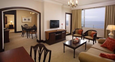 Southern Sun Elangeni & Maharani - Penthse Room