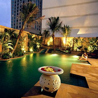 The Ritz-Carlton Kuala Lumpur Vista della piscina
