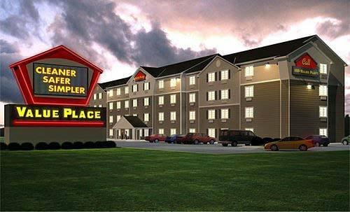 WOODSPRING SUITES CHAMPAIGN U