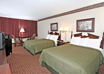 Situated off I and , the Country Inn & Suites ® by Radisson, Asheville Westgate, NC is the perfect base of operations during your time in Asheville.