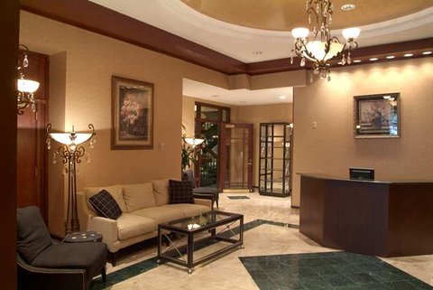 Embassy Suites Cleveland Dwtn - Lobby