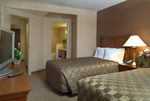 Embassy Suites Cleveland Dwtn - Guest Room