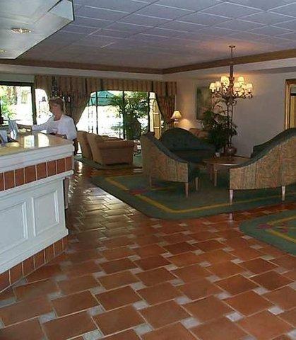 Doubletree Guest Suites Boca Raton - Lobby