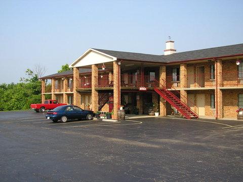 Americas Inn - Exterior