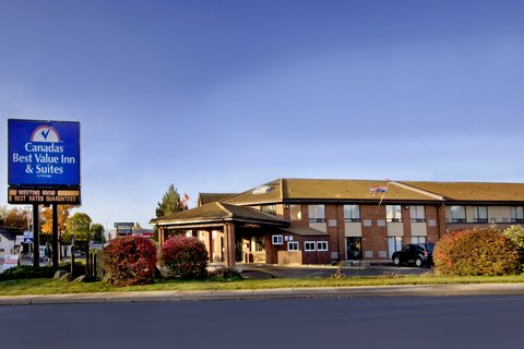 Comfort Inn Miramichi - Exterior With Sign