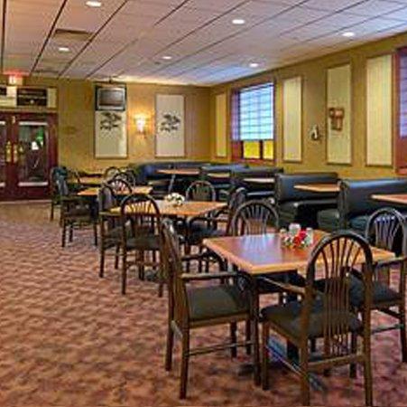 Wynnwood Plaza Hotel - Newport News, VA