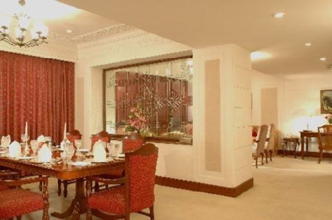 The Ashok - Dinning Deluxe Suite