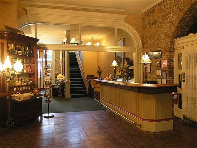Holbrooke Hotel & Saloon - Grass Valley, CA