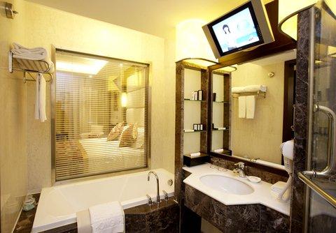 Guo Hong - Bathroom
