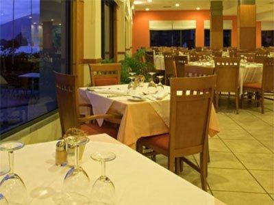 Hotel Moniz Sol 餐饮设施