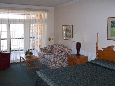 Legend Cottage Condos - Guest Room