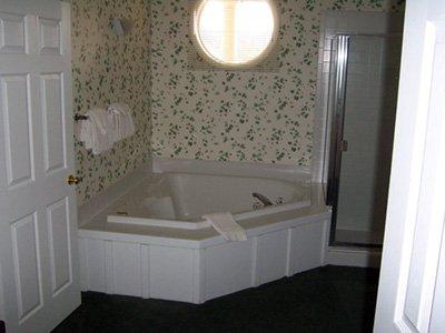 Legend Cottage Condos - Guest Room Amenity