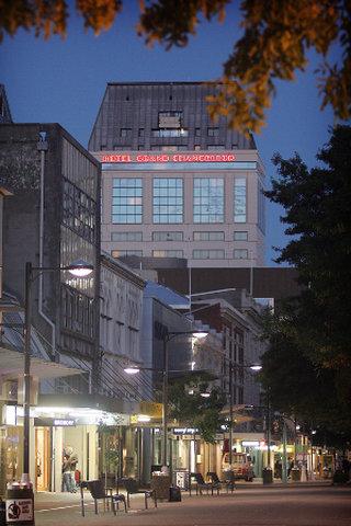 Hotel Grand Chancellor Christch - Exterior Night