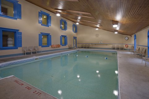 Clarion Inn & Conference Centre - Indoor Pool