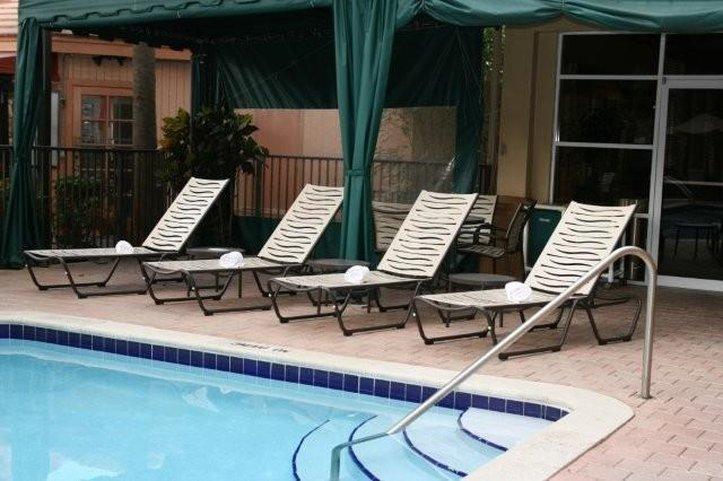 Hampton Inn & Suites Ft. Lauderdale Airport Kilátás a medencére
