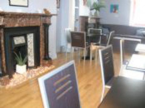 Brightonwave Hotel - brightonwave - breakfast lounge area