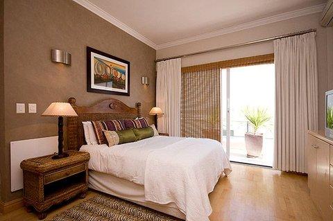 Bantry Beach Luxury Suites - Main Bedroom - Penthouse