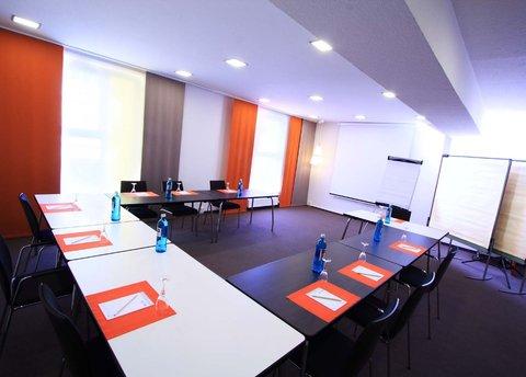 Junges Hotel Hamburg - Conference Room