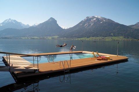 Romantik Hotel Im Weissen Roessl - 30 C heated lakeside pool