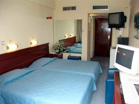 赫里尼斯酒店 - TWIN ROOM