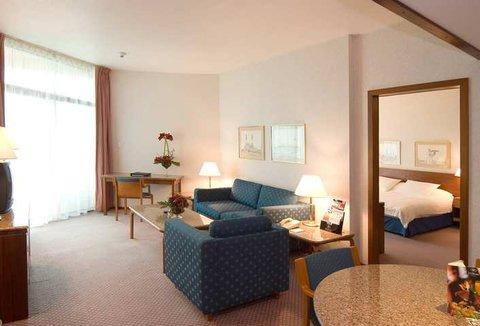 فندق هلتون كورنيش ابارتمنتز  - Suite
