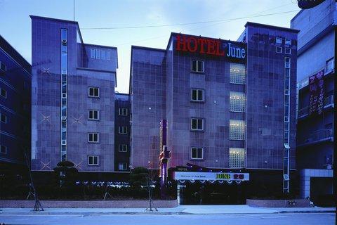 Incheon Airport Hotel June - Hotel Exterior
