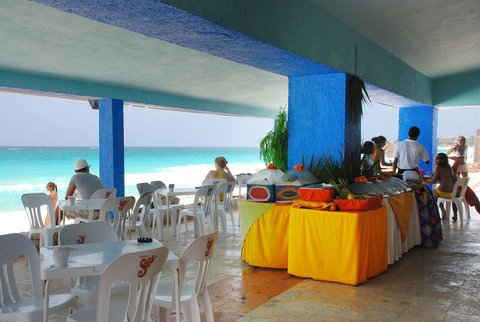 Solymar Cancun Beach Resort - CANCUN SOLYMAR SUNRISE SNACK BAR