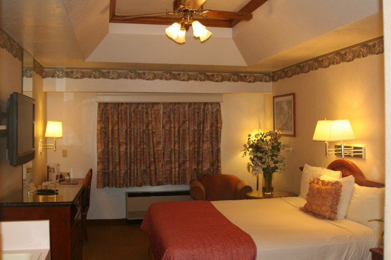 Pacific Inn of Redwood City - Redwood City, CA