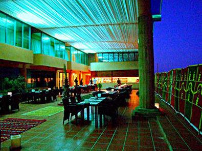 فندق بيست ويسترن باب البحر  - Dining