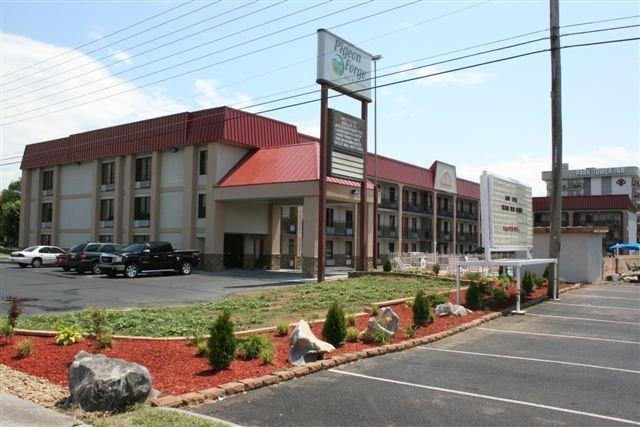 Pigeon Forge Inn & Suites - Pigeon Forge, TN