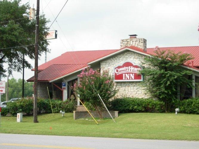 Country Hearth Inn - Columbus, TX