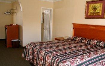Bevonshire Lodge Motel - Room