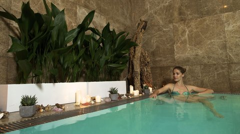 Mamas Design and Boutique Hotel - indoor pool