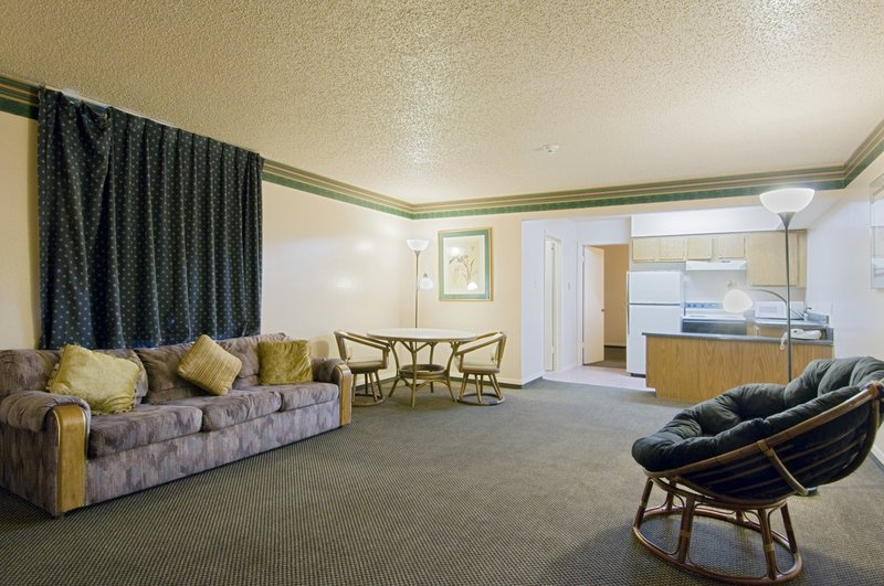 Americas Best Value Inn&Suites