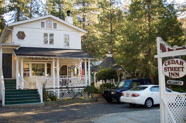 Cedar Street Inn & Spa - Idyllwild, CA