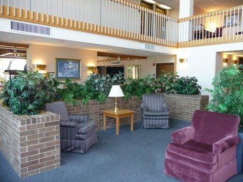 Plaza Inn - Lobby