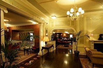 Buswells Hotel - Morning Room -Bar