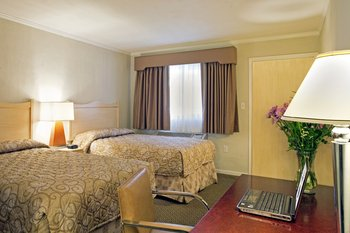 Americas Best Value Inn & Suites - Room