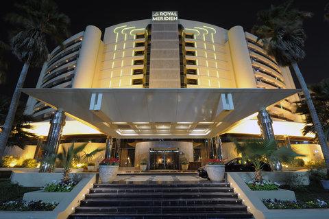 فندق الرويال ماريديان - Hotel Entrance