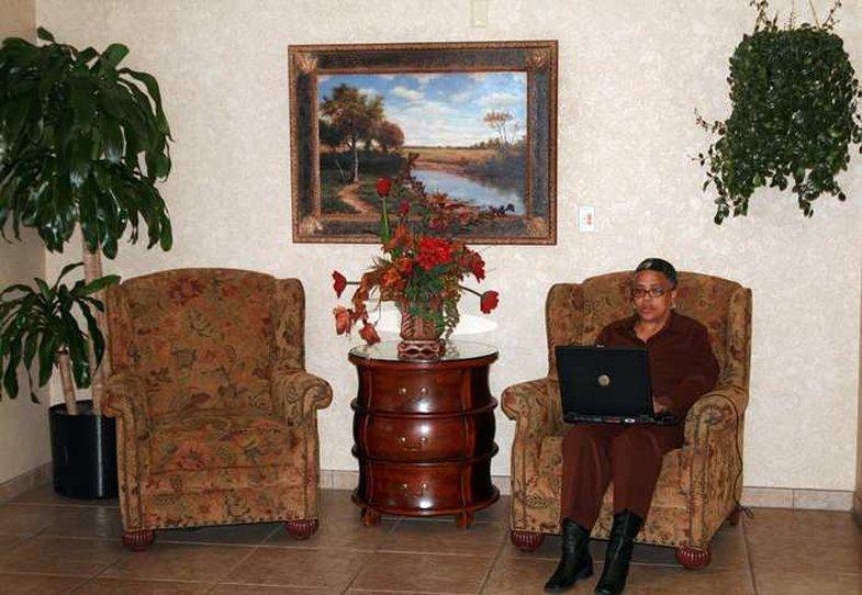 Hampton Inn Huntsville Lobby