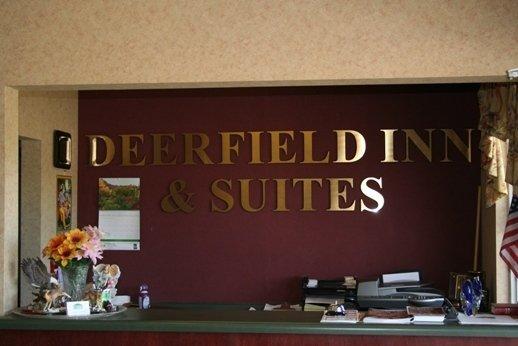 Deerfield Inn & Suites - Portland, TN