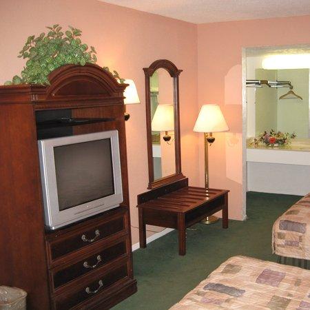 Regency Inn Fort Bragg/ Fayetteville - Regency Inn Fayetteville NCBeds