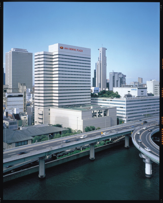 Crowne Plaza Hotel Ana Osaka Exterior view