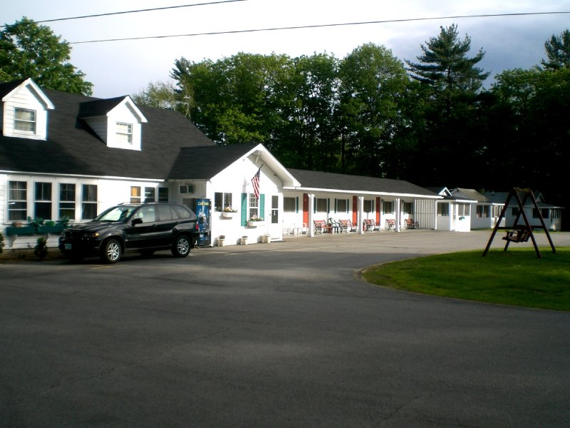 Pilgrim Inn & Cottages - Plymouth, NH