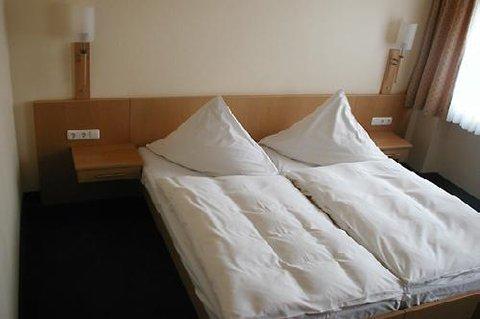 Conti Hotel - Standard Room