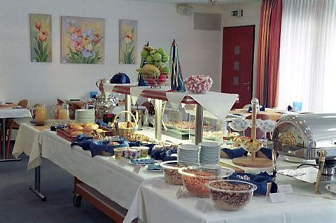 Conti Hotel - Buffet Breakfast